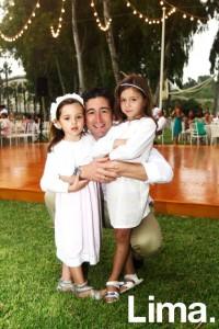 Franco ceruti junto a Emma y Ana Dargent