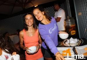 Andrea Navascues y Ana Rocío Modonese en Pop up Yoga, Hotel B, Barranco.