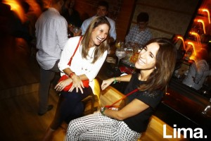 Denisse Cooper y Claudia Valdez en Lanzamiento de Indi & Bayswater, Open Bar.