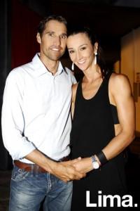Vania Masías embajadora de Subaru junto a su esposo Eric Hanschke