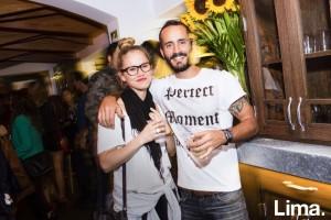 Zoe Cleary y Rodrigo Giannoni n cumpleaños de Gonzalo Sandaza, La Balanza, San Isidro.