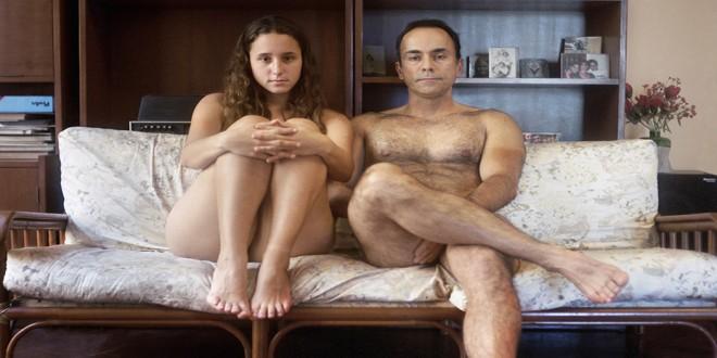 Meg del hombre de la familia desnuda