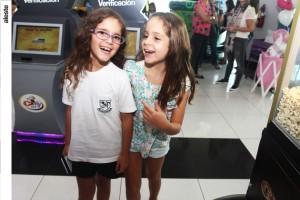 Belén Tapia y Josefina Muñoz