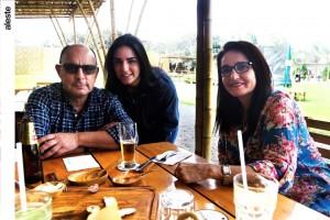 José y Luciana Maratuech junto a Maritza Podestá en Chaxras, Pachacámac