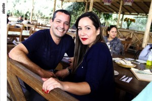 Graciela del Castillo y José luis rojas en La Gloria del Campo, Pachacámac