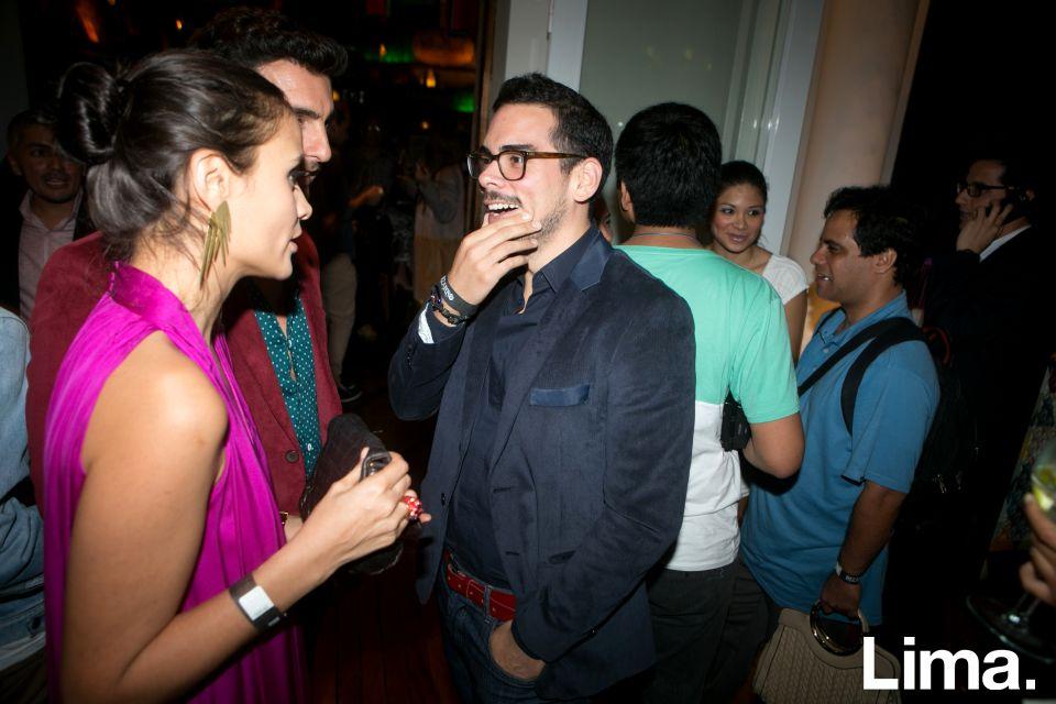Roger Loayza en lanzamiento de D-Agency, Bazar
