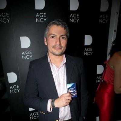 Antonio Polo en lanzamiento de D-Agency, Bazar.
