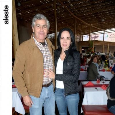 Pedro Moore y Anabella Vergara