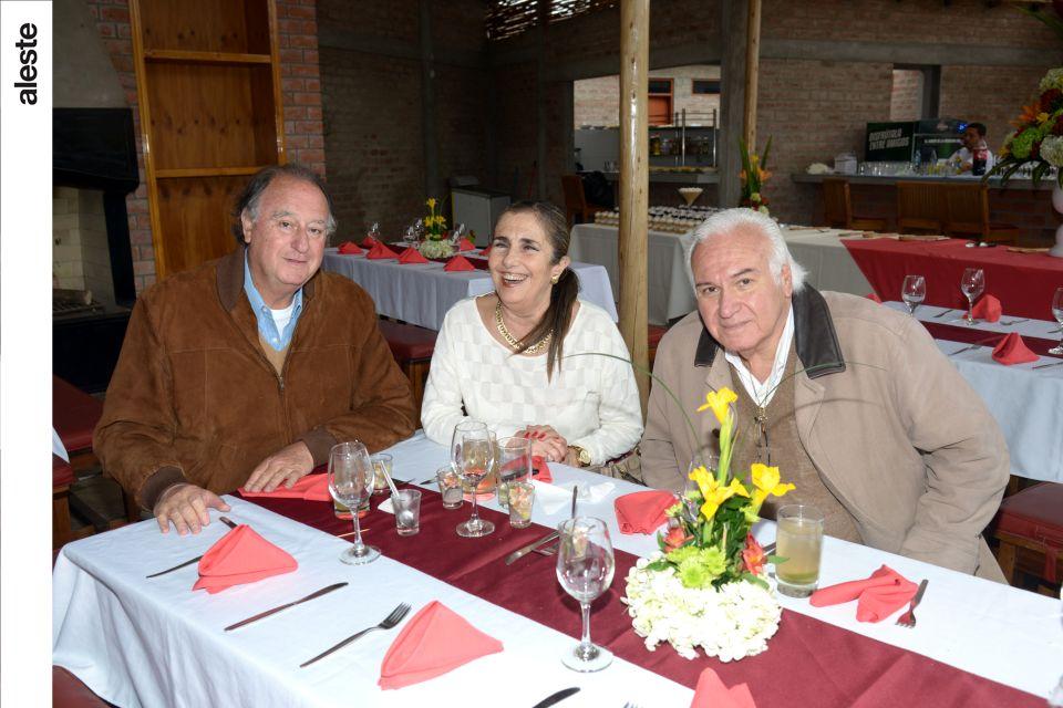 Roberto Sparks, Tone Pinillos y Humberto Galleno