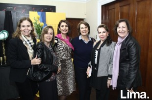 Elisa Velasco, Matilde Chocano, Charo Hanschke, Adela de la Piedra, Liliana Dongo-Soria y Lucía ferraro de Kramer