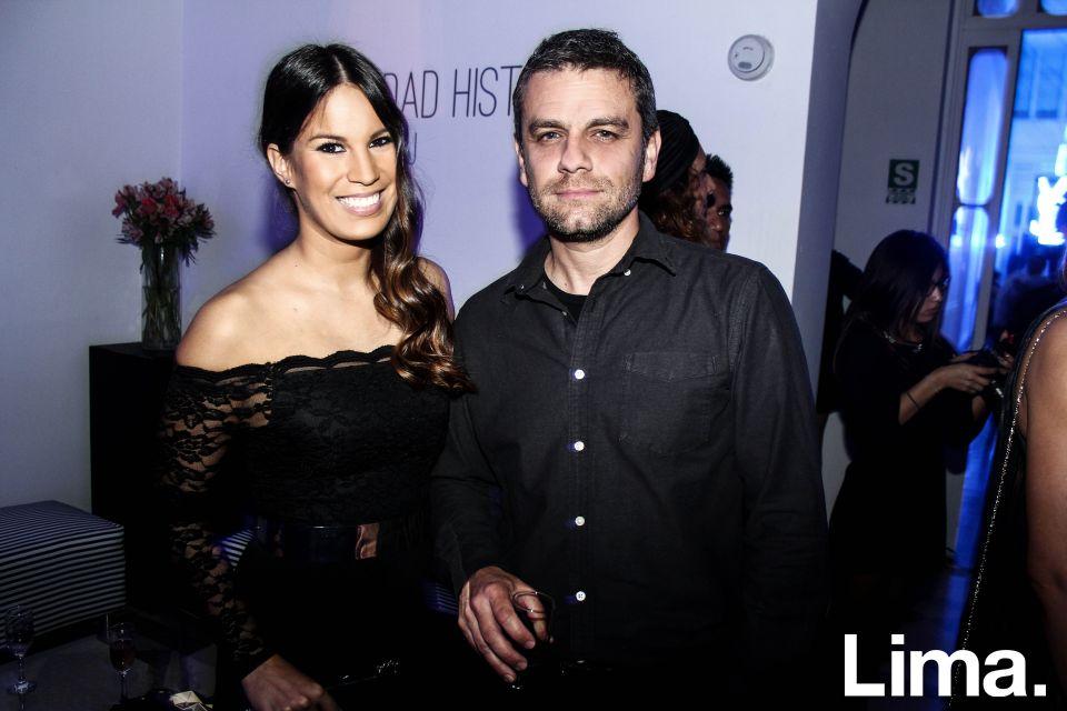 Antonella Legua y Fabrizio Aguilar en fiesta YSL, Barranco.