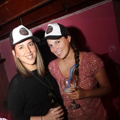 Colleen Gifford y Talía Florez en aniversario Tree House, Barranco