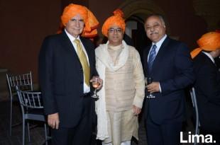 Luis Suarez,  Asay Shinde y Sunil Mirpuri.
