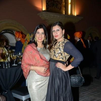 Ruby Dolphin y Sukriti Jha