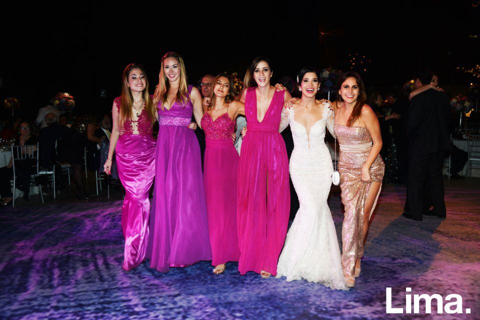 Ximena Masías, Tanya Doggwiler, Estefanía Granda, Nicole Bazo, Marisol Tudela y Patricia Cayo