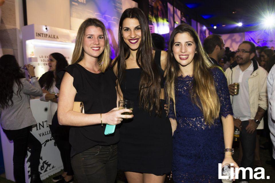 Andrea Benavides, Nicole Barham y Alessandra Woodman