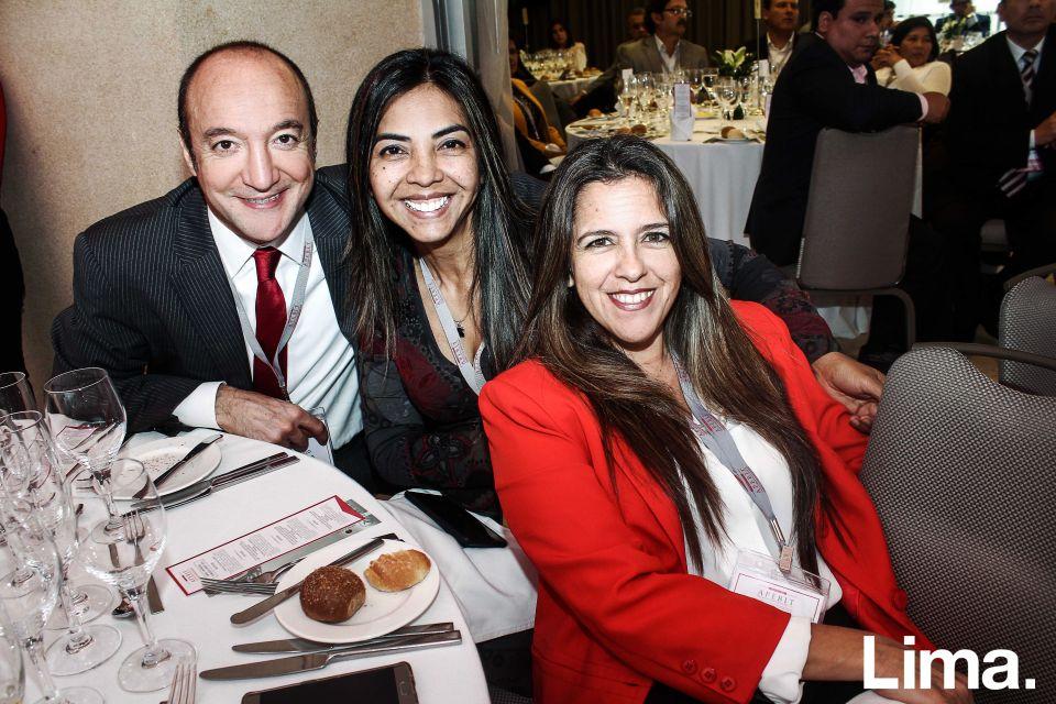 Carla Segura, Martha Serna y Marcelo Bechara