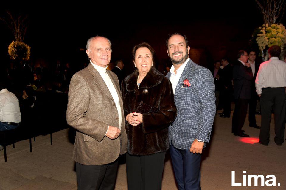 Efraín Salas, María Cristina Salas y Efraín Salas hijo