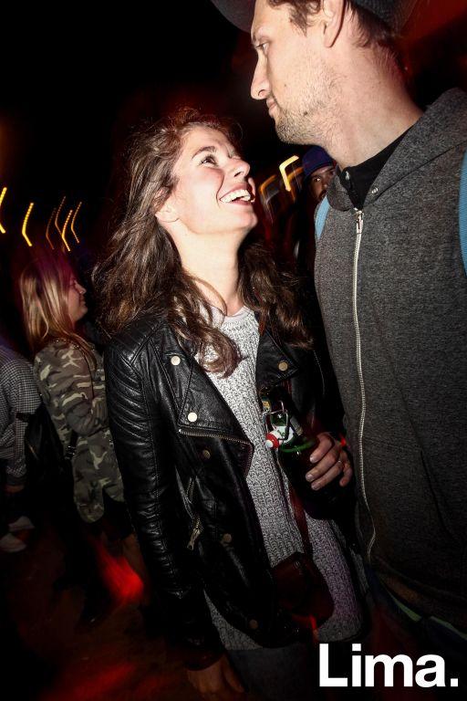 Liselotte Wsuiee y Sean Vitali  en fiesta Hoodz, El Callao.