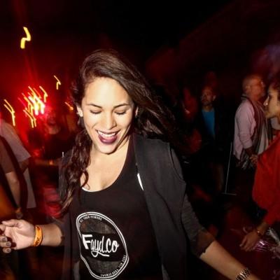 Rina Pacheco  en fiesta Hoodz, El Callao.