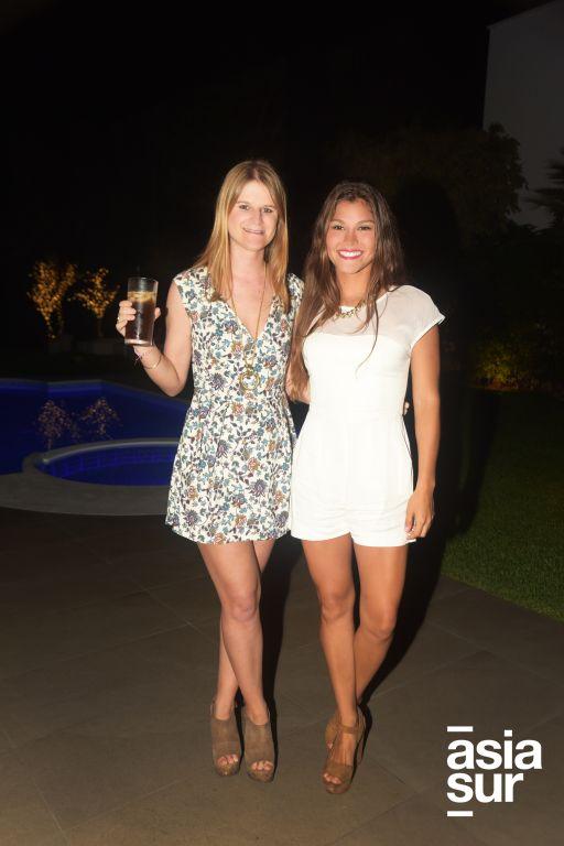 Alexia Salmon y Alexa Medrano