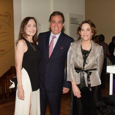Monica Dammert,Carlos Dammert y Lucrecia Forsyth.