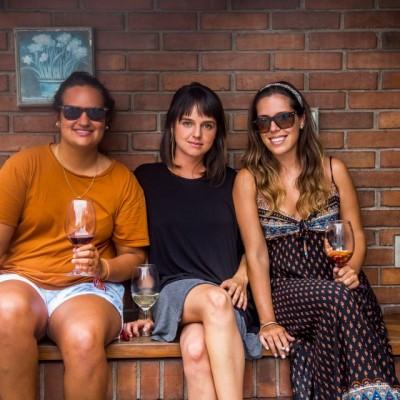 María José Razeto , Dania Palacín y Andrea Mazzetti.