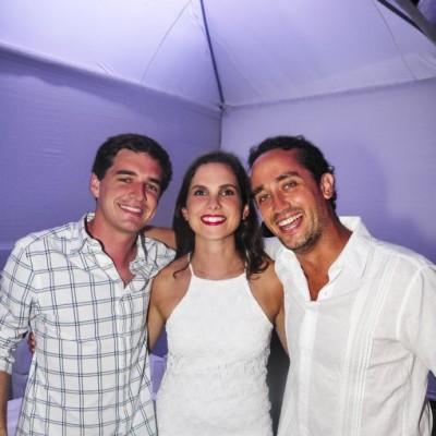 Luiggi Paino, Romina Camogliano y Parcemon Franco .