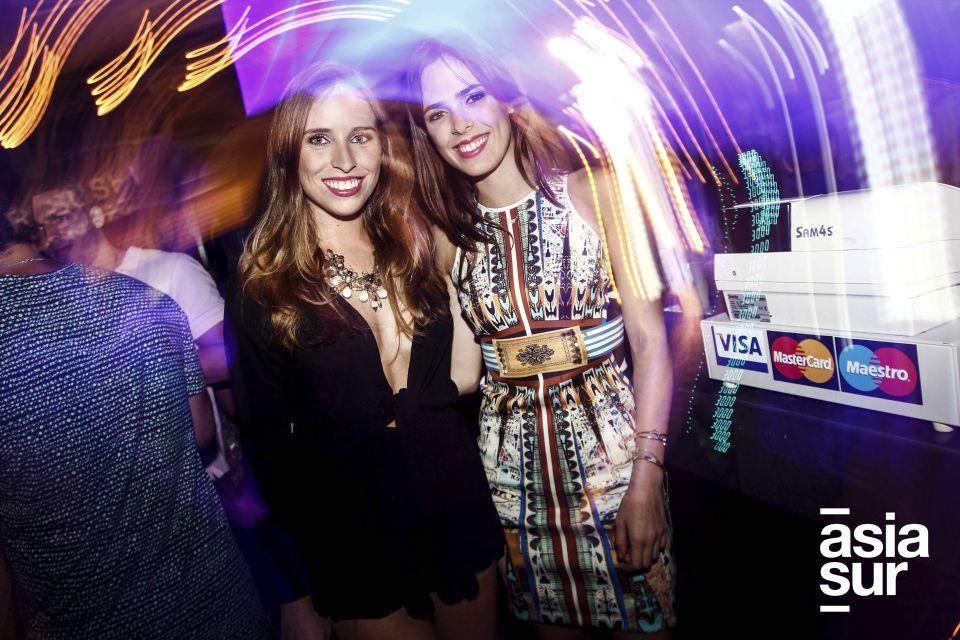 Nicole Ger y Macarena Salinas en Formentera Bar, Boulevard de Asia.