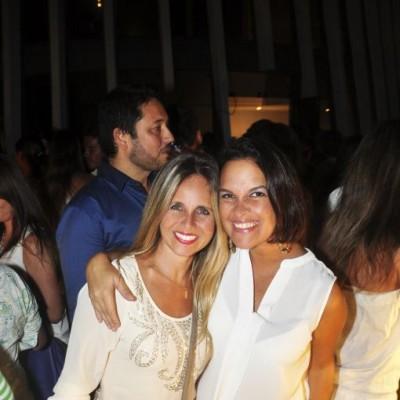 Andrea Voto-Bernales y Pati Llona en cumplea§os de Sandra Delgado, Miraflores.