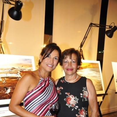 Rocío Larrauri y Rosa de Larrauri.