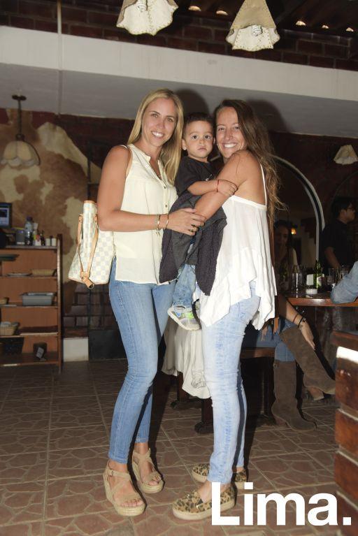 Mariana de Olazabal, Lorenzo Cancho y Paloma  Flores