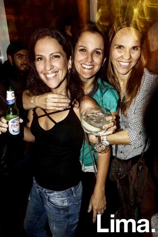 Carolina Figueroa , Pía Luna y Uchi Arnaiz en Bazar, Miraflores.