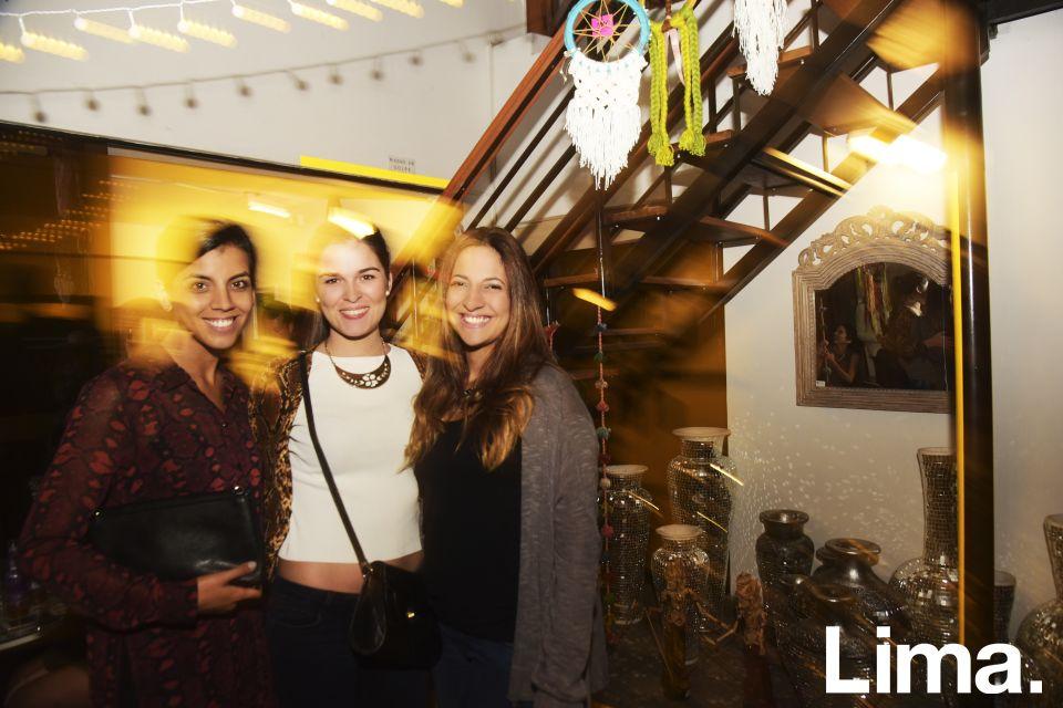 Andrea Oliveros, Alessandra Sheperd y  Fiorella Crisanto en lanzamiento de Solkissed bikinis, Vernácula-San Isidro.