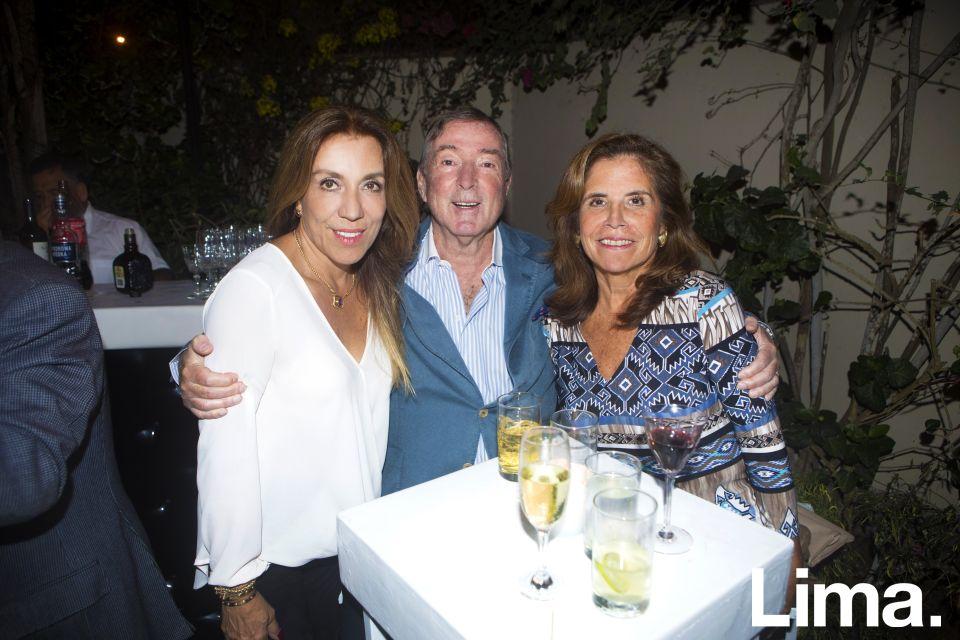 Pilar Cabredo, Luis Augusto Ducassi y Kathy Su