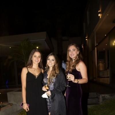 Valeria Vallejo, Lucía Valdivia y Nicole Gutiérrez.