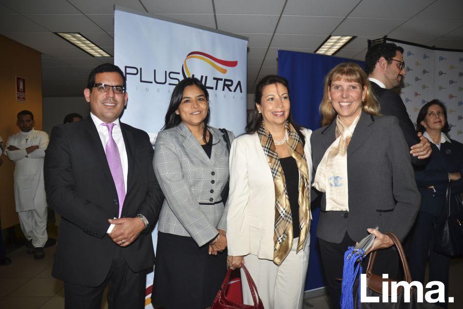 Carlos Gutiérrez, Milagros Rabines, Patricia Siles y Lorena Maggiolo