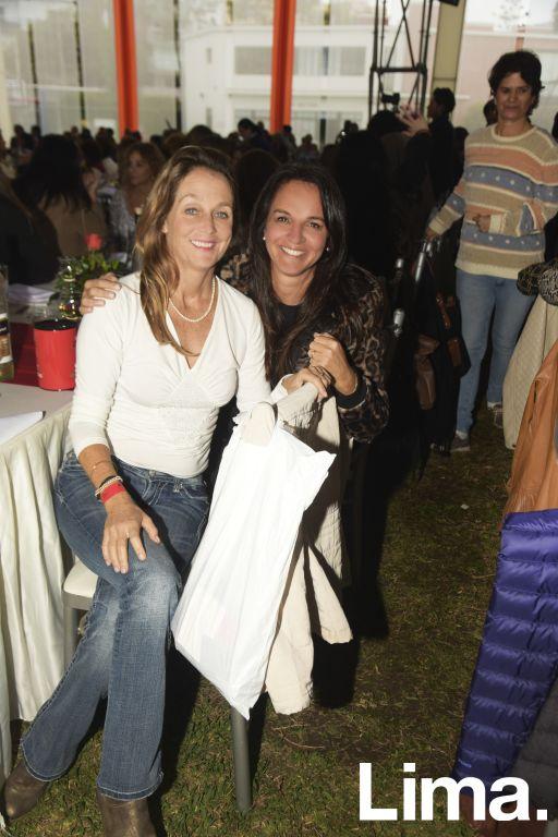 Samantha Griffiths y Lourdes Gonzales.