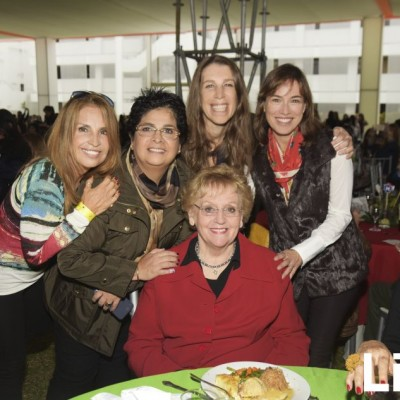 Silvia Barsallo,Carolina Castilla, Rina Bayly, Eliane Batievsky y Marcela Benavides.
