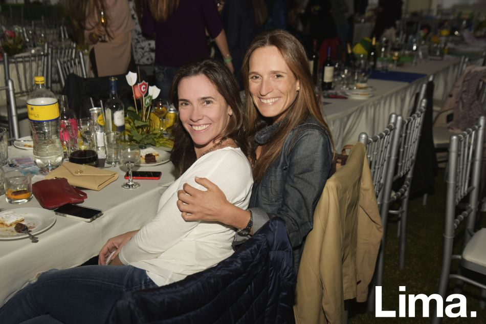 Stephanie Zunjic y Claudia  Mosca.
