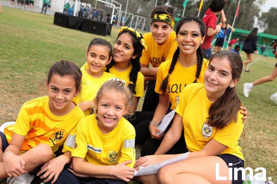 Valeria Duharte, Doménica Brignardello, Antonella Bacigalupo,  Nataly Acuña, Alessio Giha, Alessia Diaz y Giulia Favaro.