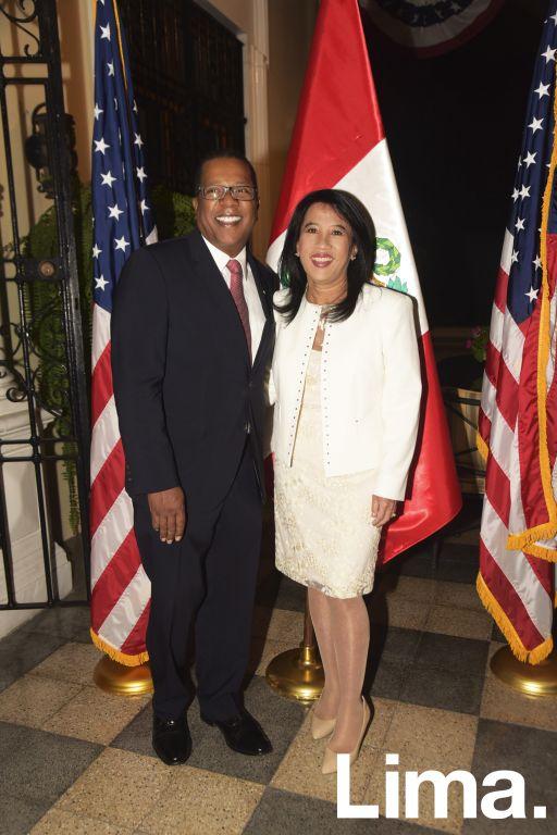 Bryan A. Nichols y Geraldine Kam.