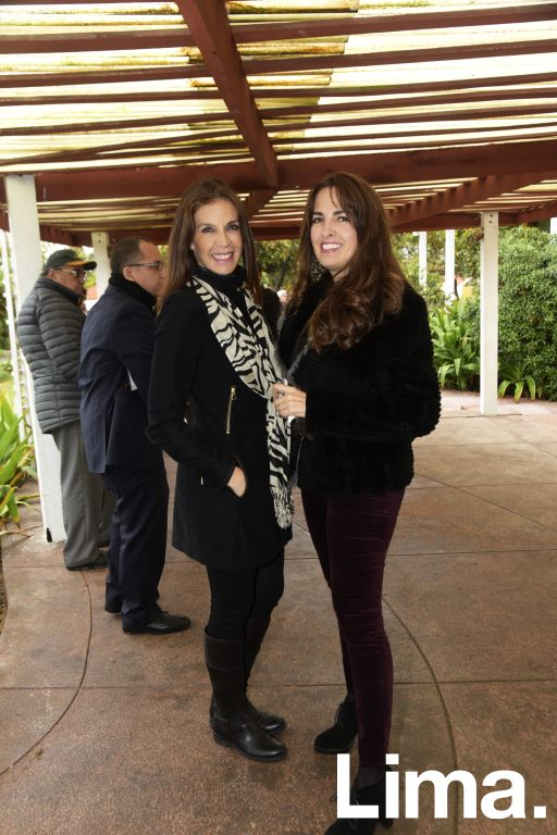 Carmen Perazzo y Vanessa Vegas.