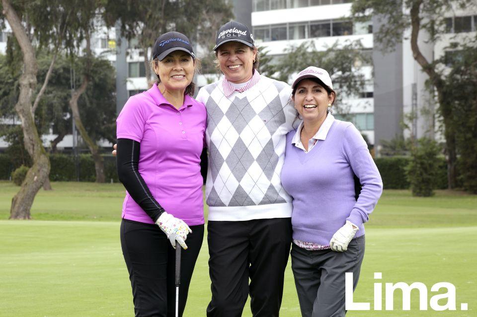 Patricia Rodríguez, Giuliana Franco y Cecilia Callirgos.