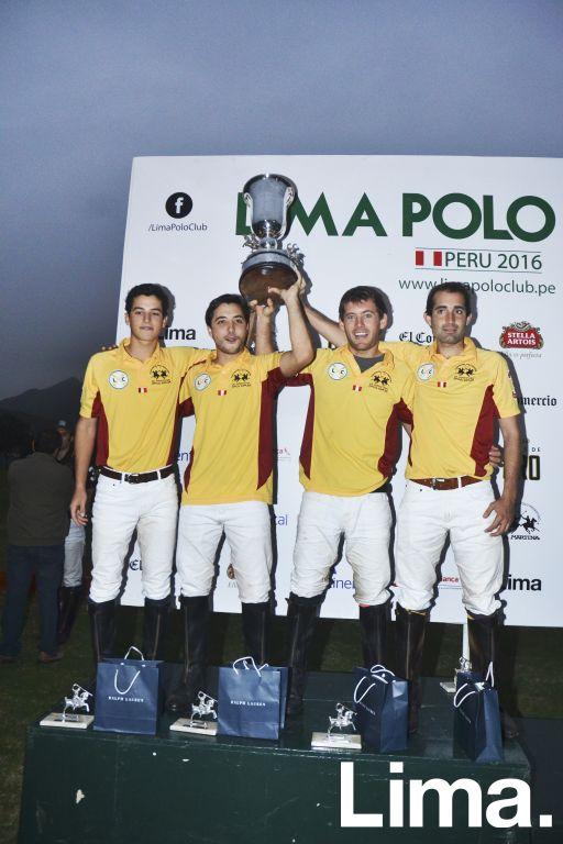 Lorenzo e Ignacio Masías, Santiago Casartelli y Juan Crespo.