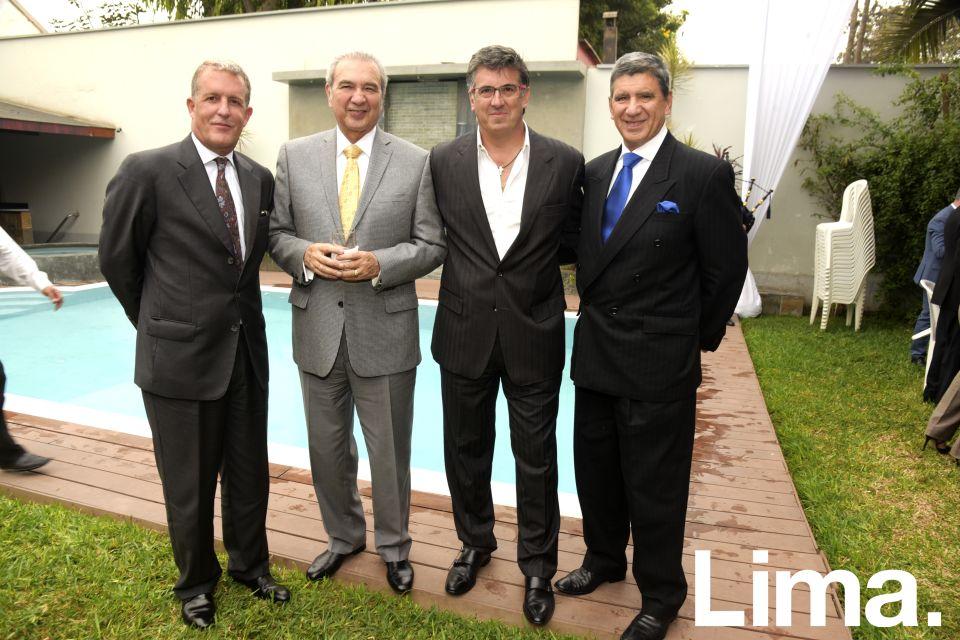 Raúl Barrios, Fernando Lazo, Gustavo Salazar y Oswaldo Hundskopf.