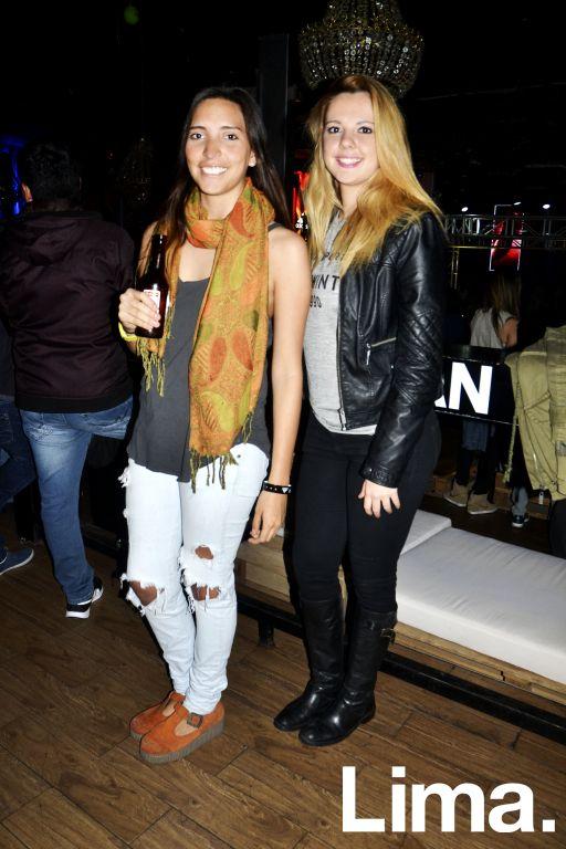 Andrea Rivera y Mirella Alves.