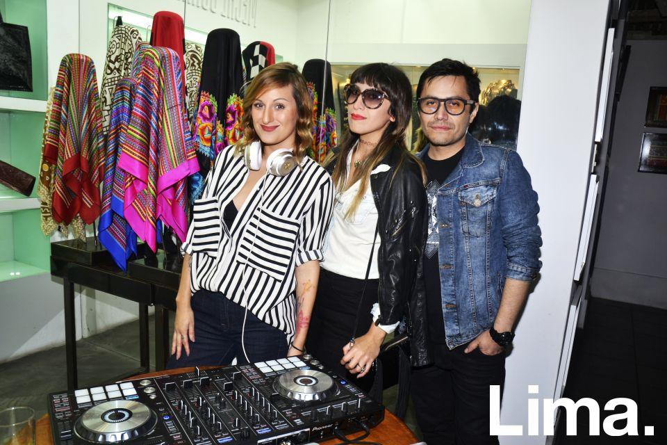 DJ Pía Ojeda, Katha Puga y Diego Suárez.