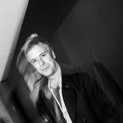 Diego Bertie en exposición de Mari Plucker, Morphology Concept Store.