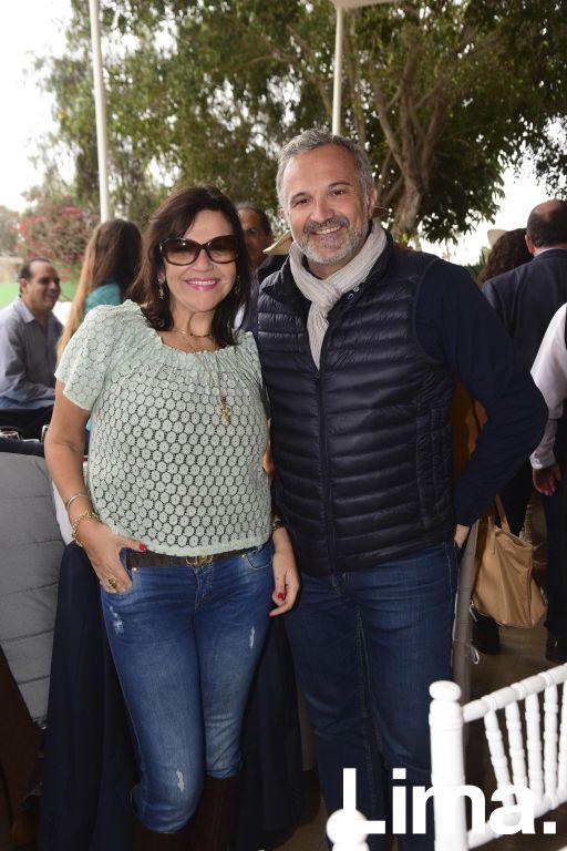 Gaby Chávez y Alex Vial.